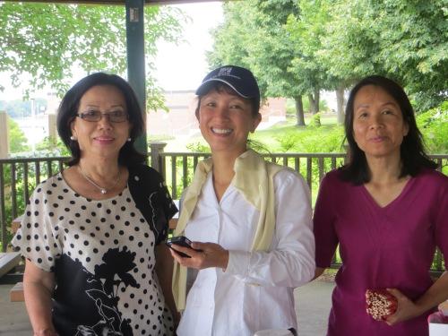 PTG picnic 011_Cô Gấm, Cô Phượng, Mai Xuân